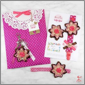 Baby gift set for girl with fuchsia flower, ideal first time mom gifts for Mother's Day