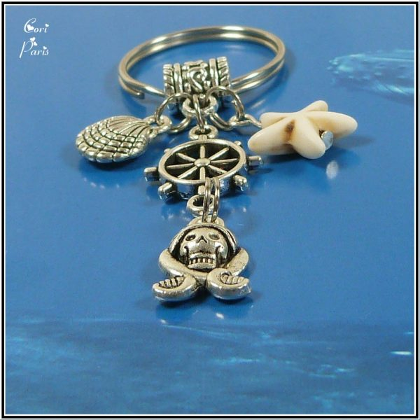 Nautical keychain with sea shell, starfish, pirate skull and rudder charms, first Father's Day gift