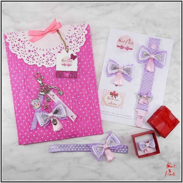 Cori Paris - idée cadeau pour bébé et jeune maman / coffret contenant 5 accessoires assortis.
