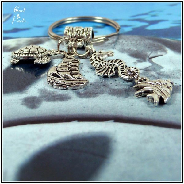 Ocean keyring – unique keychain with charms representing a a turtle, ship, seahorse and fish
