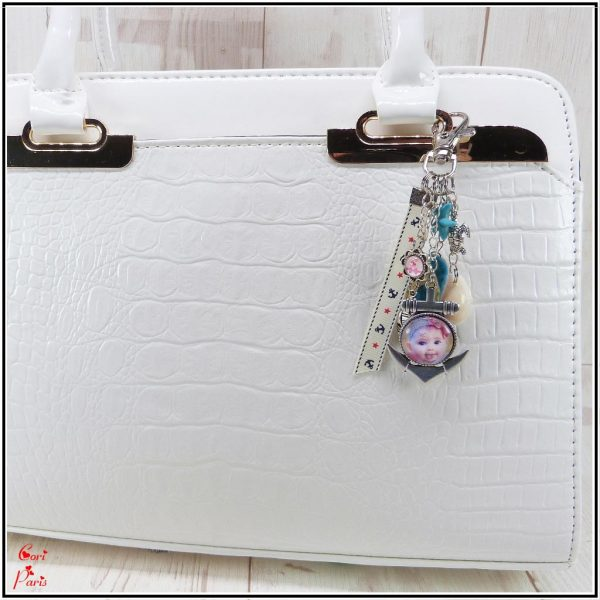 Personalized beach handbag charm with a custom photo, a shell and a teal flip flop