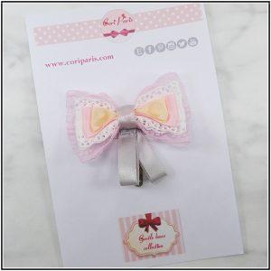 Cori Paris - Toddler hairstyles with this pink bow hair clip, a cute girl hair accessory.